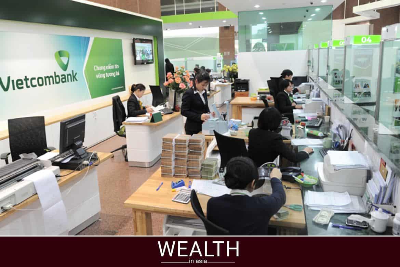 Chuyển tiền từ VCB sang Agribank bằng quầy giao dịch