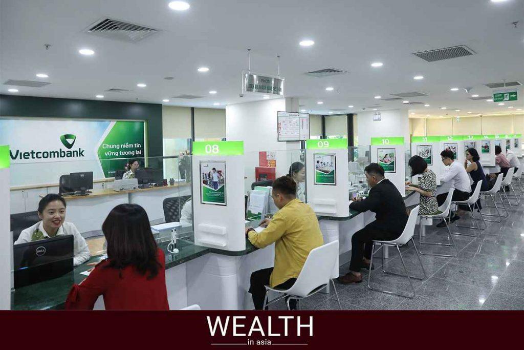 Phí rút tiền thẻ Visa Vietcombank là bao nhiêu?