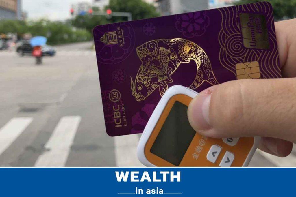 Có nên mở thẻ ngân hàng Trung Quốc tại Việt Nam?
