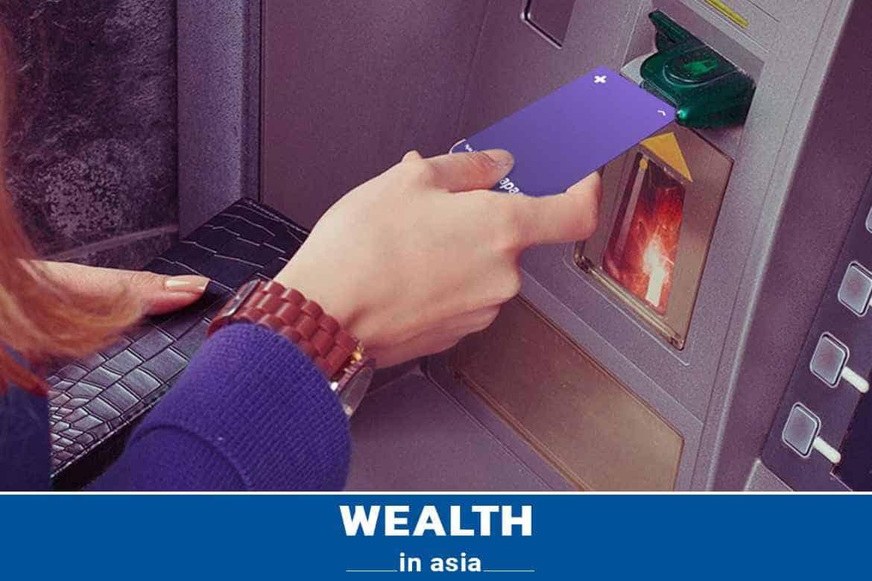 Đóng, khóa tại cây ATM